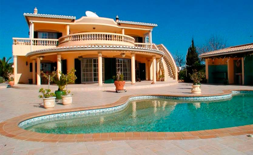 Property in Portugal: 3 bedroom villas