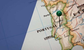 Portugese residence permit and real estate purchase with Migronis online service